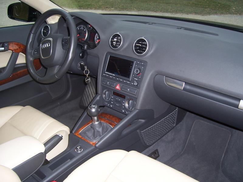 Insert alu ou noir piano dans une a3 cuir beige for Interieur audi a3 2000