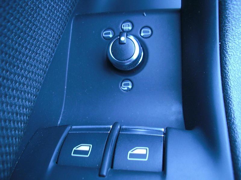 boutons l ve vitre conducteur accessoires int rieur forum audi a3 8p 8v. Black Bedroom Furniture Sets. Home Design Ideas