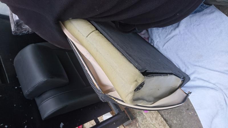 help changer l 39 enourleur de ceinture du dossier arri re probl mes int rieur forum audi a3. Black Bedroom Furniture Sets. Home Design Ideas